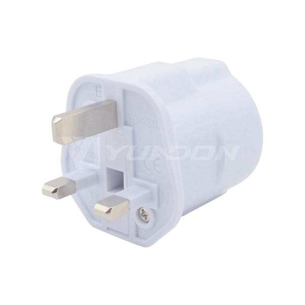 EU to UK Travel Adapter 2 Pin to 3 Pin Converter with Fused CE ROHS Approval