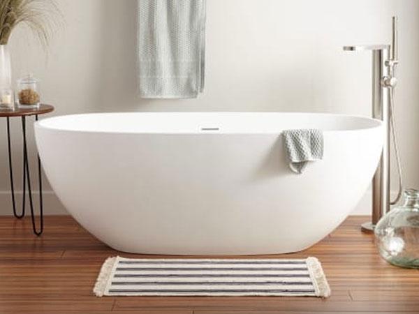独立式和嵌入式浴缸